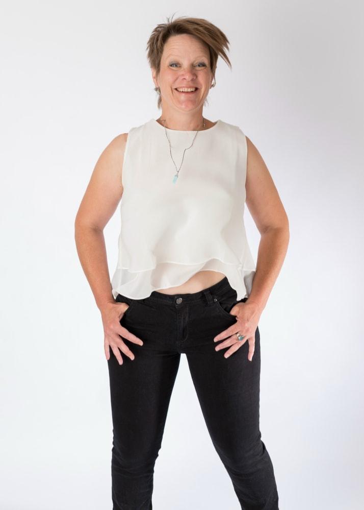 Barbara Lohmann hüpft